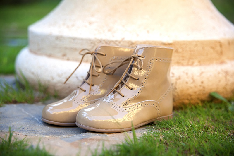 Cómo limpiar zapatos de charol para que queden relucientes