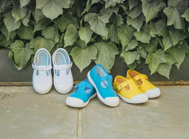 """Cómo limpiar """"lonas"""": las zapatillas de lona para niños, niñas y mayores"""