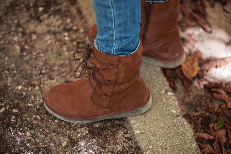 ¿Cómo limpiar botas de serraje?
