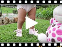 Video from Badanas Bebé de Charol con Lazo Raso