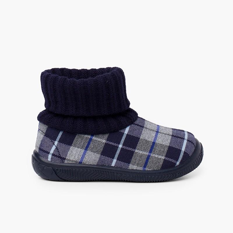 Zapatilla casa bota con cuello tipo calcetín lana
