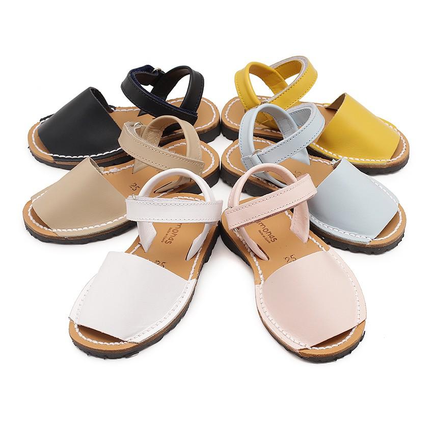 Menorquinas ni os avarcas velcro calzado infantil online for Escuelas de moda en barcelona