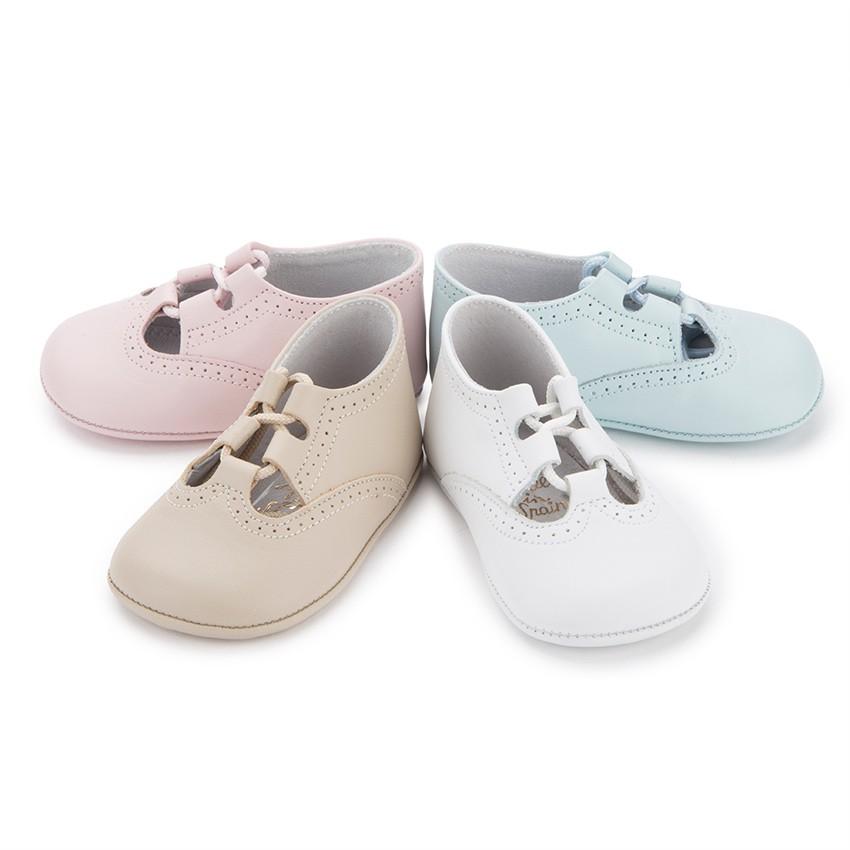¡Comprar zapatos bebe online nunca fue tan fácil! ♥ zapatos de bebe ♥ baratos: zapatos bebe sin suela, zapatos para bebe recién nacidos, zapatos de bebe con suela blanca, pepitos, merceditas, botas, inglesitos, sandalias, botines de casa de bebe el complemento perfecto para los zapatos de niño o los zapatos de niña.